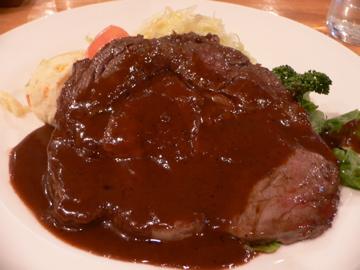 メイン 肉
