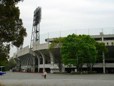 写真キャプション=西京極総合運動公園内にある野球場。プロ野球などのオープン戦が行なわれる