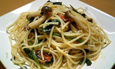 ツナとほうれん草とトマトのスパゲティ