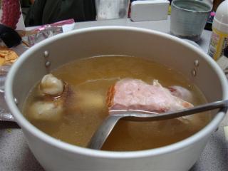 ハムの骨スープ