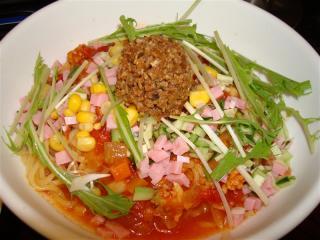 夏の冷やしトマト麺