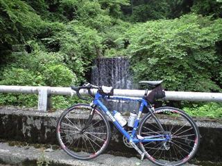 私が箱根旧道を走ってる。。。