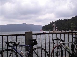 念願の芦ノ湖!!