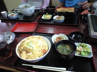 天丼(息子)、肉うどん(妻)、カツ丼(ヘタレ)