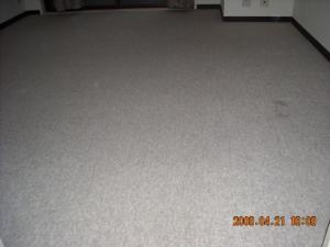 張替前のカーペット
