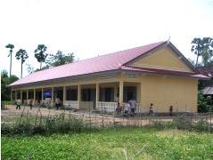 カンボジアに学校を