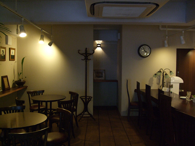 OVER TIME店内03
